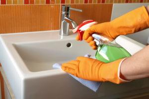 Уборка санузлов, ванных и туалетных комнат