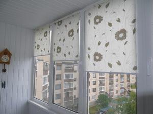 Установка рулонных штор на пластиковые окна в Воронеже